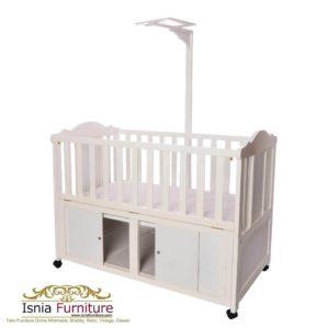 Box Bayi Duco Putih Dengan Penggantung Mainan