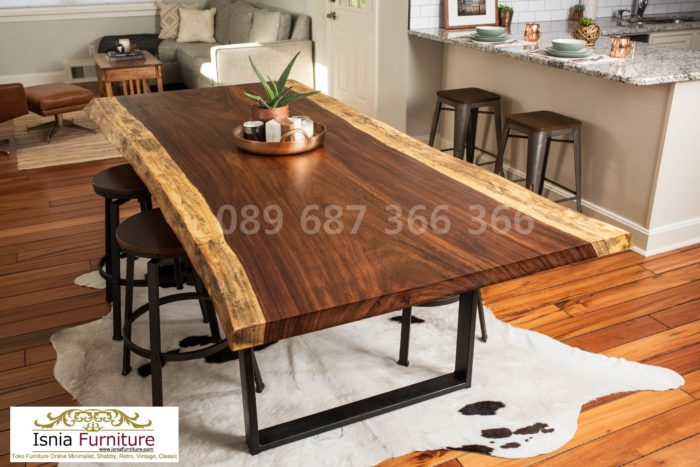 meja-trembesi-kaki-besi-lebar-700x467 Meja Trembesi Kaki Besi Untuk Makan Sehari Hari Model Minimalis
