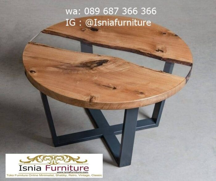 meja-bulat-kayu-trembesi-bentuk-bulat-paling-unik-700x588 Meja Bulat Kayu Trembesi Unik