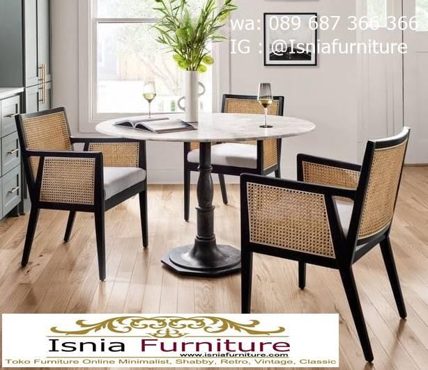 meja-marmer-bundar-untuk-meja-makan-desain-kaki-kayu Harga Meja Marmer Bundar Murah Kualitas Terbaik
