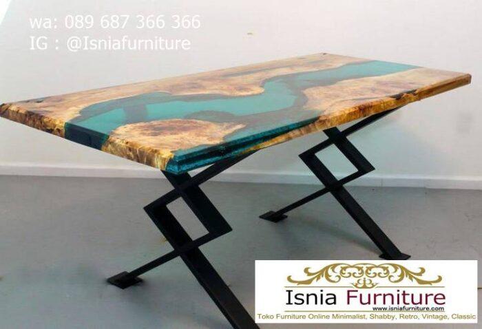 meja-resin-jepara-desain-kaki-besi-paling-unik-1-700x478 Jual Meja Resin Jepara Kayu Solid Minimalis Modern