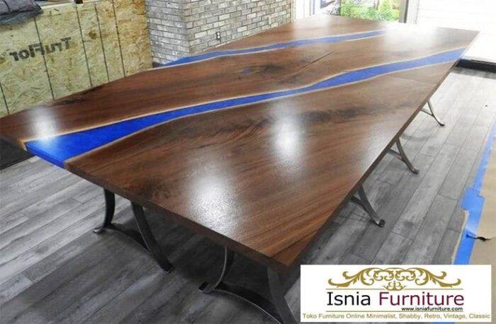 meja-resin-menyala-desain-kaki-stainless-paling-unik-700x458 Harga Jual Meja Resin Menyala Murah Terbaru Terlaris