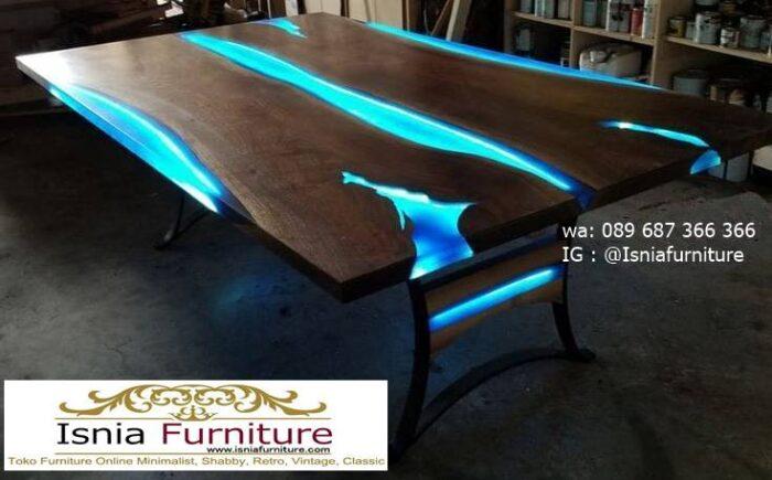 meja-resin-menyala-untuk-meja-tamu-paling-unik-700x435 Harga Jual Meja Resin Menyala Murah Terbaru Terlaris